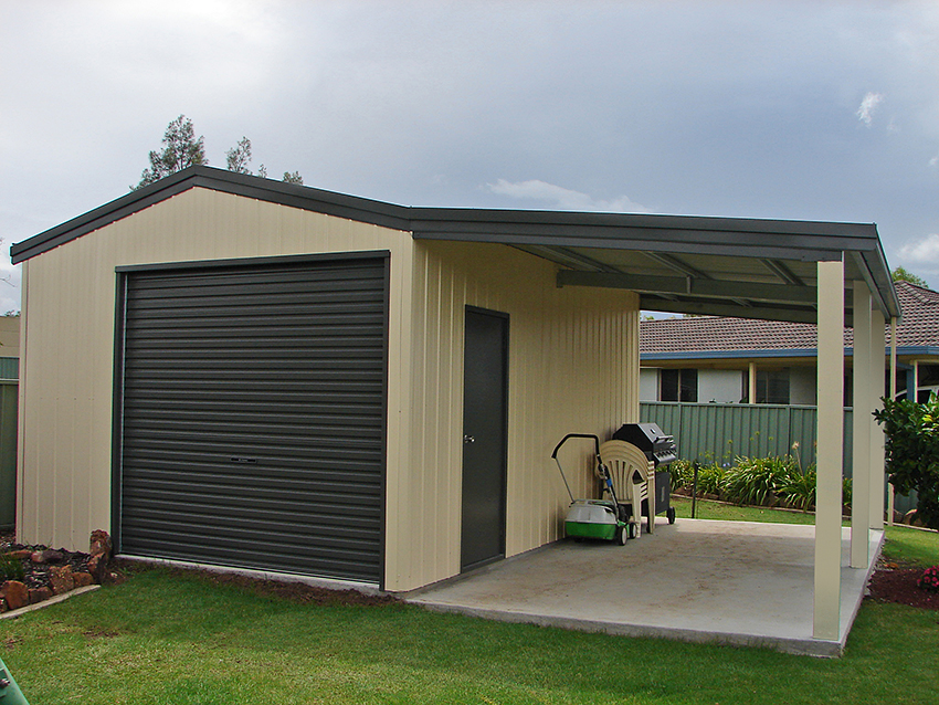 Single garage classic cream and monument topline for Single garage with carport
