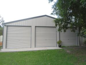 Triple Garage - Dune and Woodland Grey 02